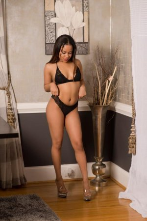 Taniya massage tantrique Grand-Charmont, 25